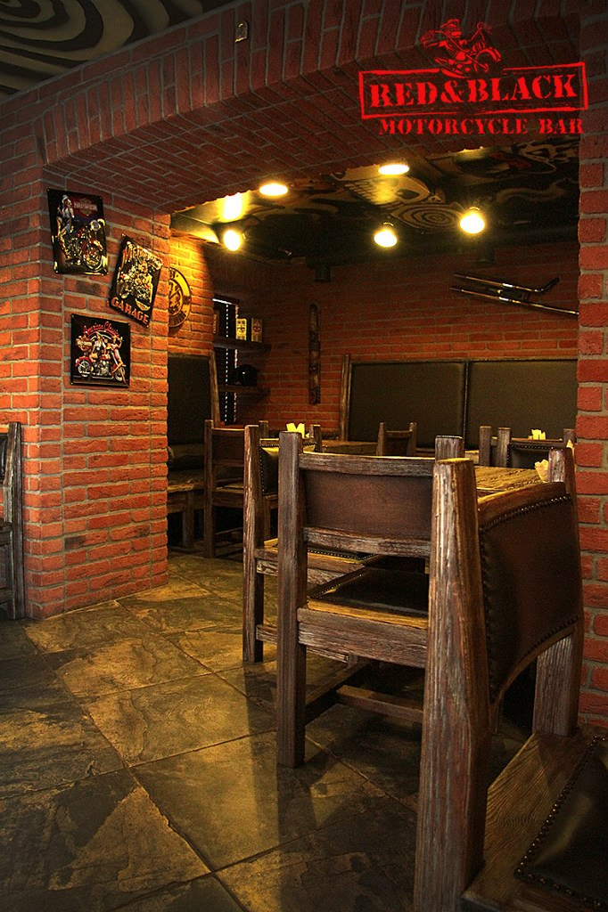 Фотография: Ресторан Red and Black